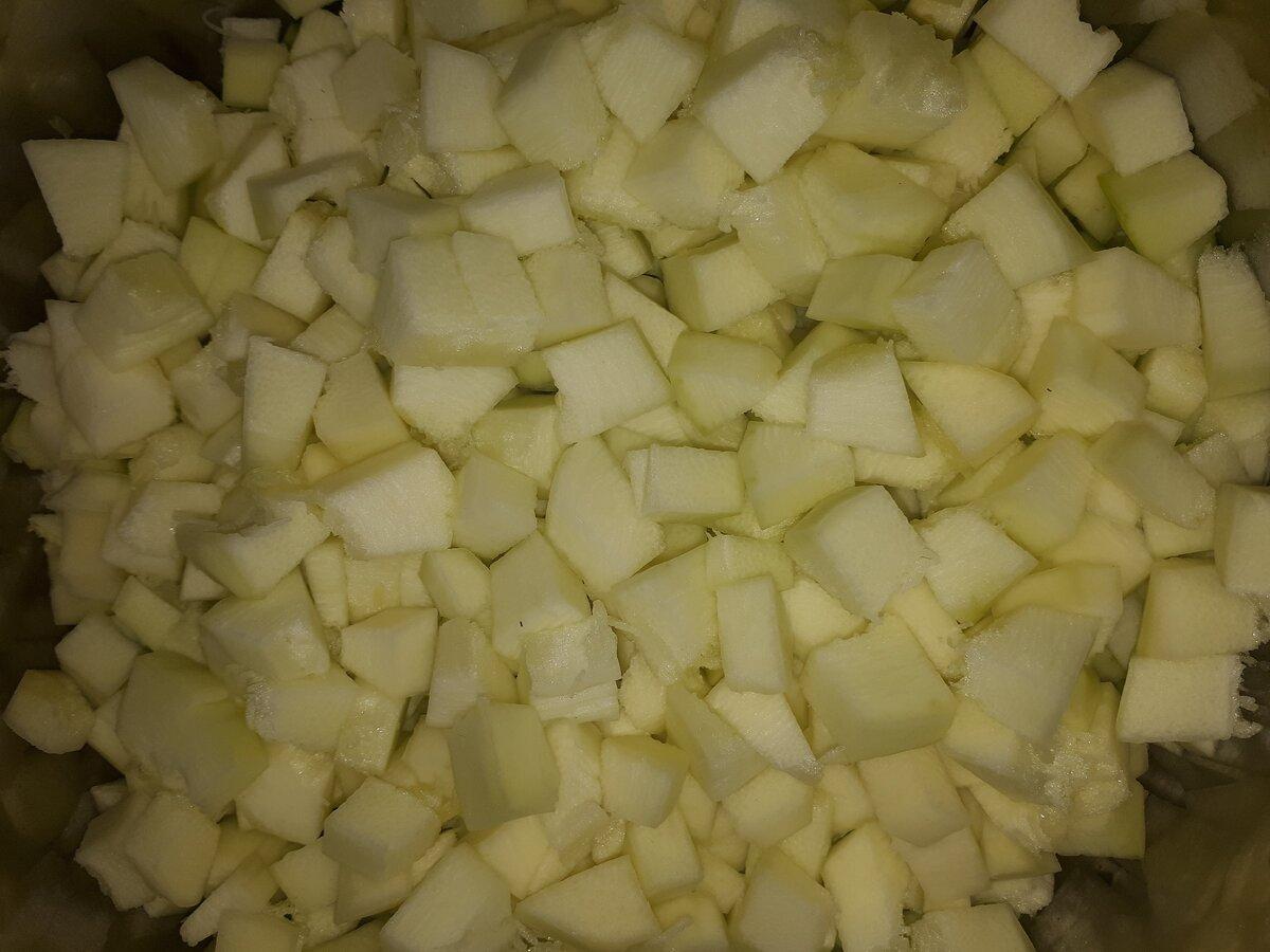 """Даже те, кто не любит кабачки просят рецепт """"Кабачкового лечо"""" на зиму. Попробуйте, это невероятно вкусный салат"""