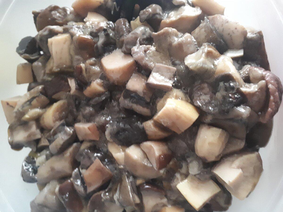 Рецепт грибной солянки на зиму, которая станет отличной закуской, а также ее можно использовать как гарнир