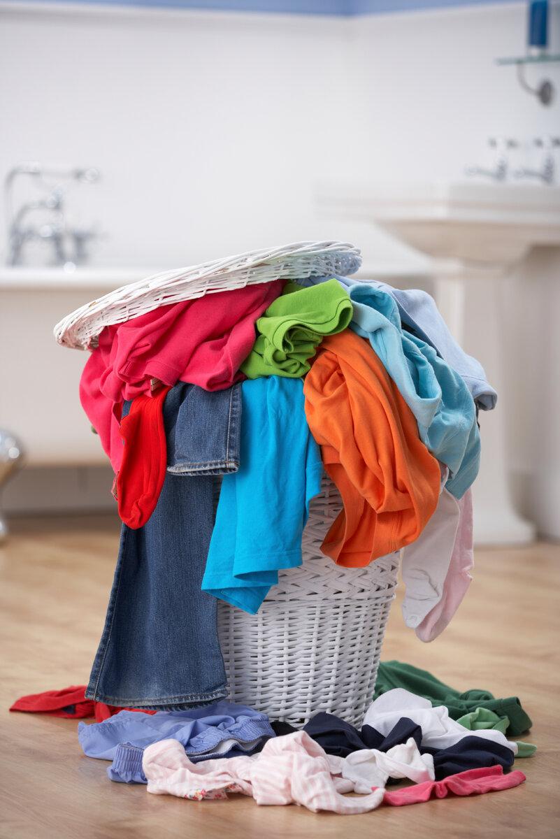 Большинство хозяек не умеют стирать вещи даже в стиральной машине. Расскажу, почему так считаю