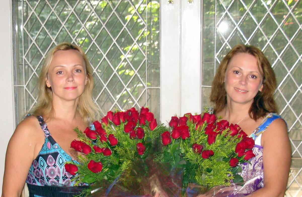 Мы обе - красавицы и умницы. Фото 10 лет назад.