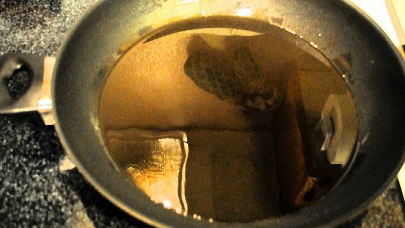 Сантехник с 24-летним стажем: «Ежедневно ты уничтожаешь кухонную раковину, сливая в нее…»