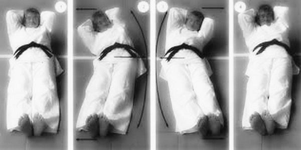 Кацудзо Ниши: «Самое первое — позвонки все становятся на свои места!» Приводит в порядок позвоночник без хирургического вмешательства.