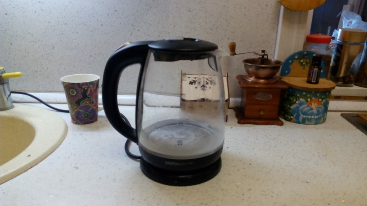 Как легко и экологично отчистить накипь в электрическом чайнике. Делайте это раз в неделю и чайник будет, как новый.