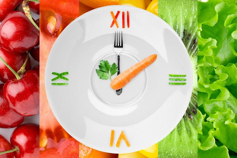 Зоя Богданова, автор книги «Ешь. Читай. Худей!»: «Промежуток между приемами пищи должен быть не больше 5 часов!»