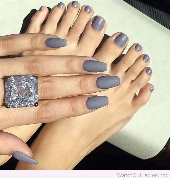 Серый — это не скучно! 50 вариантов модного маникюра в серых тонах