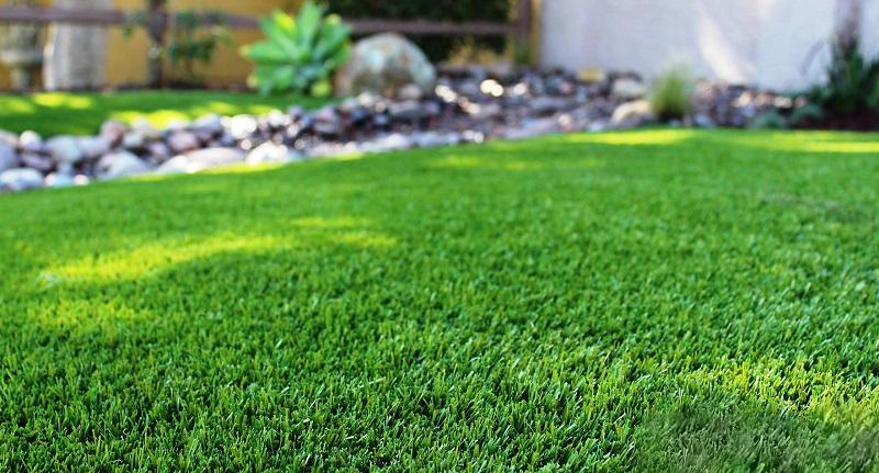 Всегда вырывала сорняки руками, пока соседка по даче не посоветовала это средство… Легко и надолго!