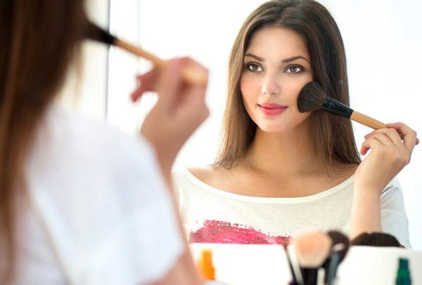 Должна ли девушка быть красивой?