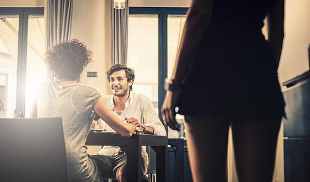 Почему мужчины измeняют, даже когда счастливы в отношениях