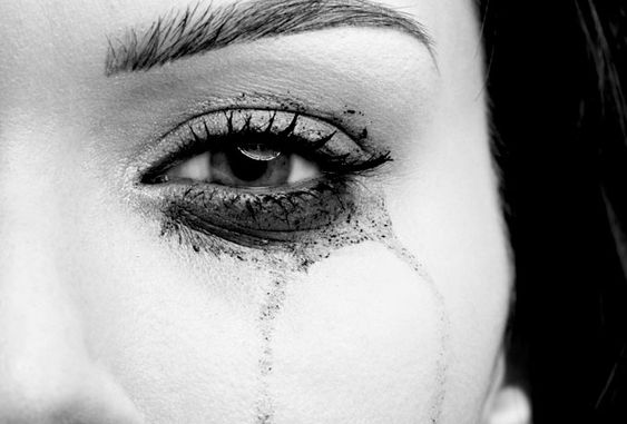 Не переживай, когда женщина устраивает ссору. Переживай, когда она молчит